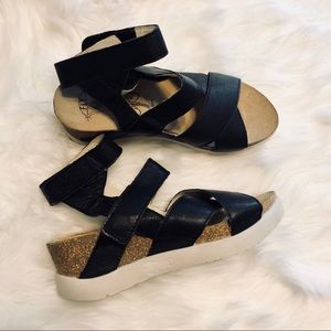 NWT London Fly sandals Mousse Black